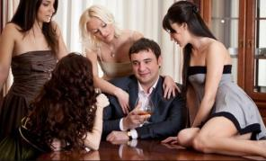 Man displaying attractive mysterious magnetic manly force field around women