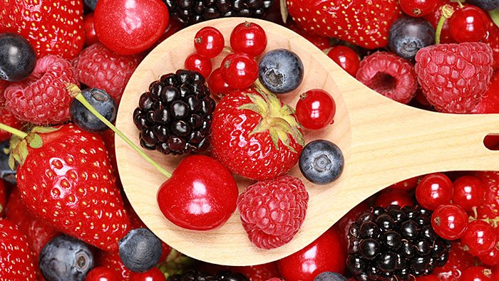 Benefits of collagen: increase collagen by eating antioxidant rich fruits